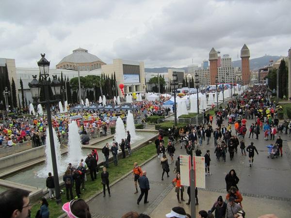 start- och målområde barcelona marathon