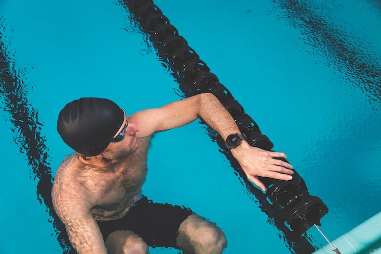 bästa gps-klocka för simning